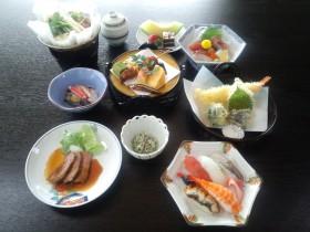 寿司付法要会席¥5,250